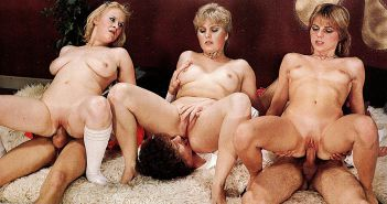 VINTAGE PORN #rec FOURSOME COWGIRLS HARDCORE G1 #19980189