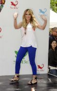 Hilary Duff SoBes Try Everything Challenge