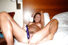 Milf and matures with dildo and vibs 1