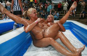 Whores with their legs lifted and spread- SurlyD!! Porn Pics #11077315