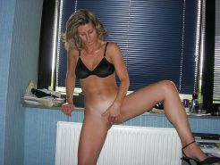 French Amateur MILF Camille175 #2881948