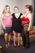 Three bbw's have fun