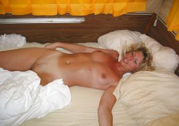 amateur french blonde mom