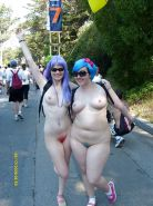 GIRLS TOGETHER: PUBLIC NUDITY TEENS SHOW THEIR TITS Porn Pics #14942020