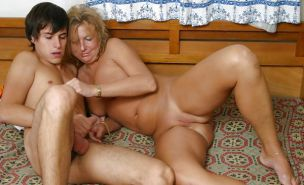Young guys with older woman Porn Pics #15710229
