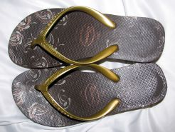 Havaianas High Light II - marrom com tiras douradas