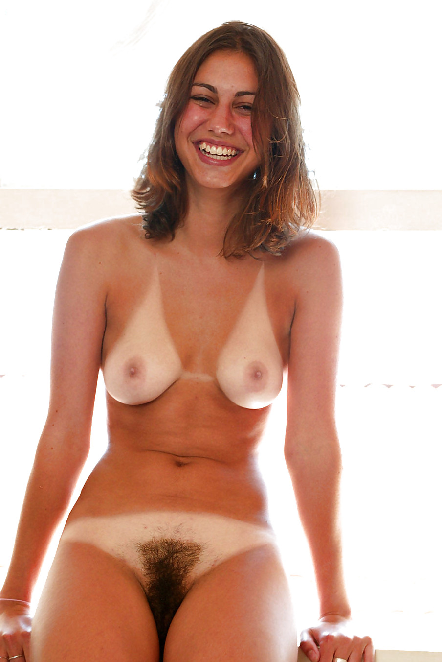 Tanline pussy