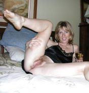 Amateurs milf housewives