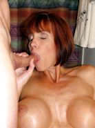 Milf Twyla's mouthful of cum pics