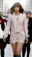 Tyra Banks leggy Early Show in New York