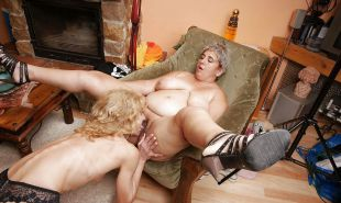 Young and old lesbian Porn Pics #18822452