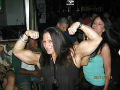 Sexy Muscle Girl 002