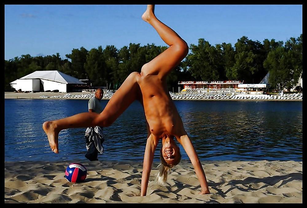 Voyeur upskirt naked beach outdoor pussy 7 #17626235