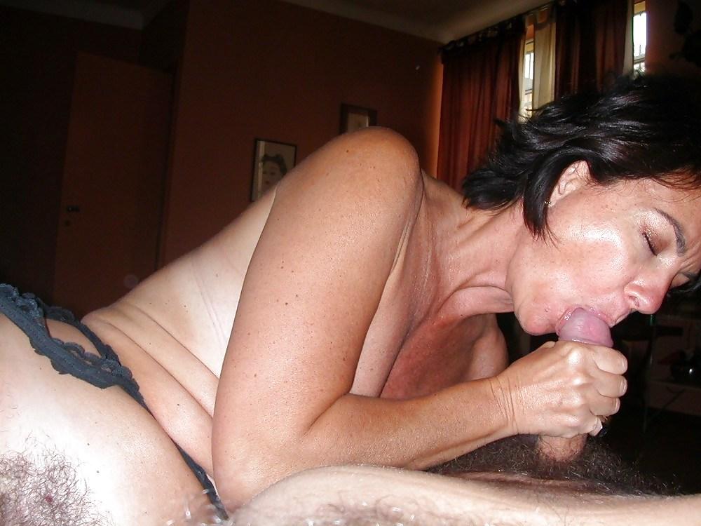Italian mature sucking and fucking Porn Pics #19397717