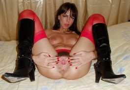Cougars & MILFs In Fuck Me Boots