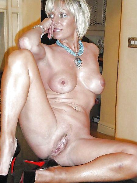 MILF Collection #2 (Asses & Big Boobs) Porn Pics #18738525
