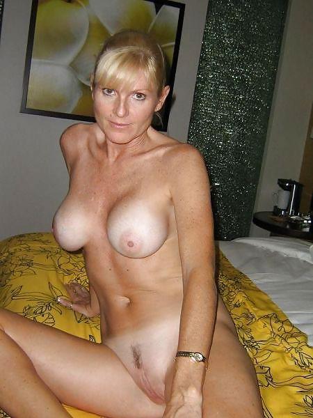 MILF Collection #2 (Asses & Big Boobs) Porn Pics #18738532