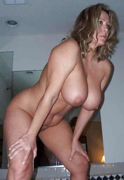 MILF Collection #2 (Asses & Big Boobs) Porn Pics #18738796