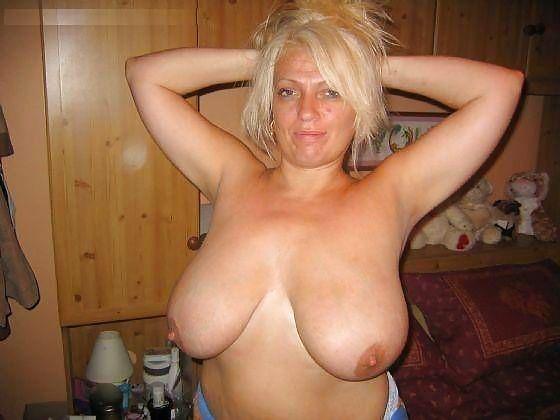 MILF Collection #2 (Asses & Big Boobs) Porn Pics #18738926