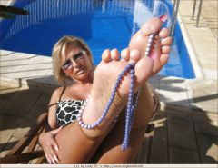 Lady Barbara and her sexy feet Porn Pics #16130997
