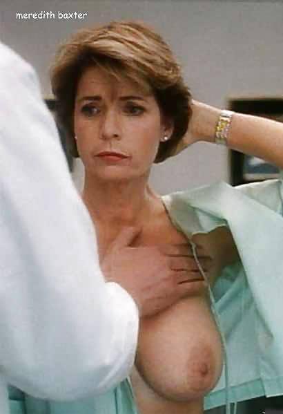 Celebrity Pokies Oops Upskirt Nude #15422336