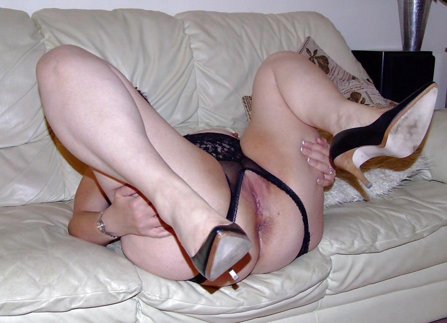 Slutty moms Porn Pics #3445869