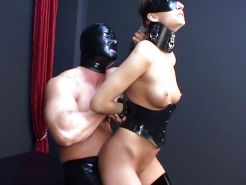 Mask, Leather & Latex BDSM-games