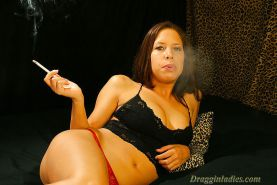 Haley Paige - Smoking Fetish at Dragginladies