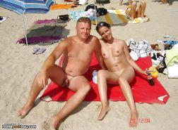Amateur couples naked at the beach