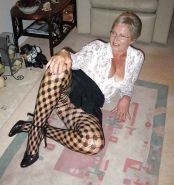 Grannies and matures in stockings 03 Porn Pics #15674961
