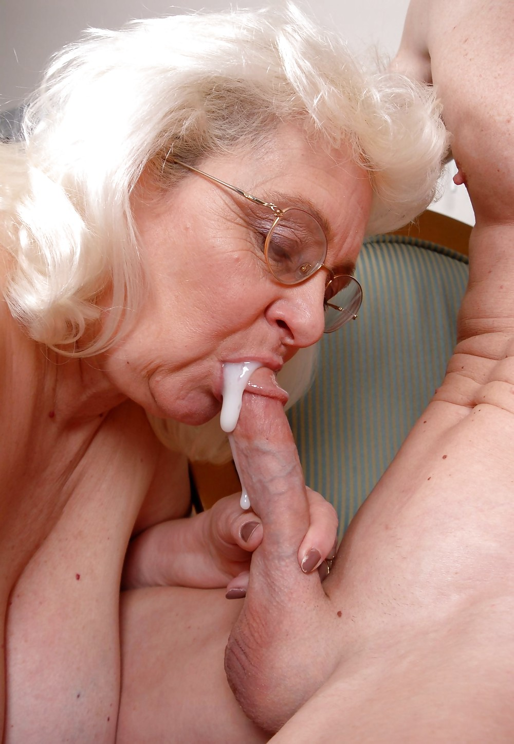 MATURE GRANNIES AND MILFS - FACIALS & CUMSHOTS 2 #22003343