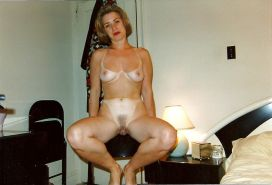 Amateurs spread legs and show us their pussy 1 #8971568