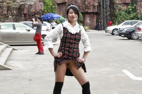 Chinese girl flashing pussy in public Porn Pics #16564449