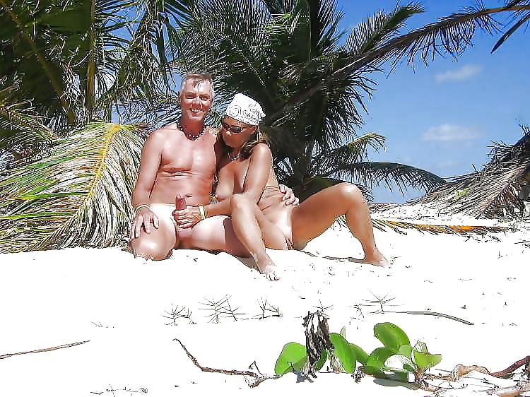 Group Sex Amateur Beach #rec Voyeur G4 Porn Pics #6375045