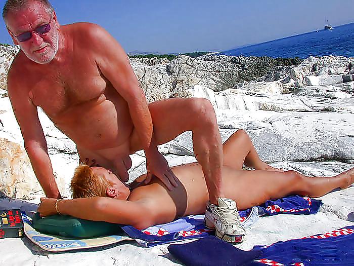 Group Sex Amateur Beach #rec Voyeur G4 Porn Pics #6375079