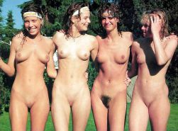 NAKED GIRLS: SHAVEN & HAIRY TOGETHER