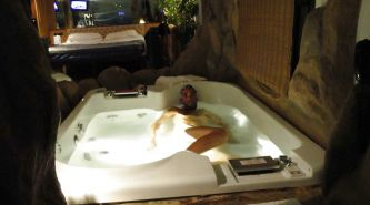 NWST IN JACUZZI WAITING FOR THE ACTION