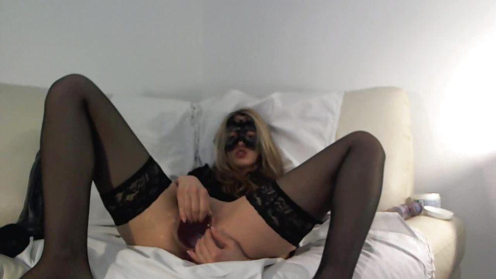 Veneisse giant gape anal fisting & dildo in ass Porn Pics #18538122