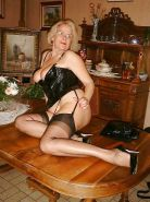 Sexy mature in fully fashioned nylons stockings