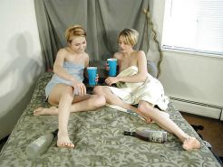 Mature lesbians playing between them 3