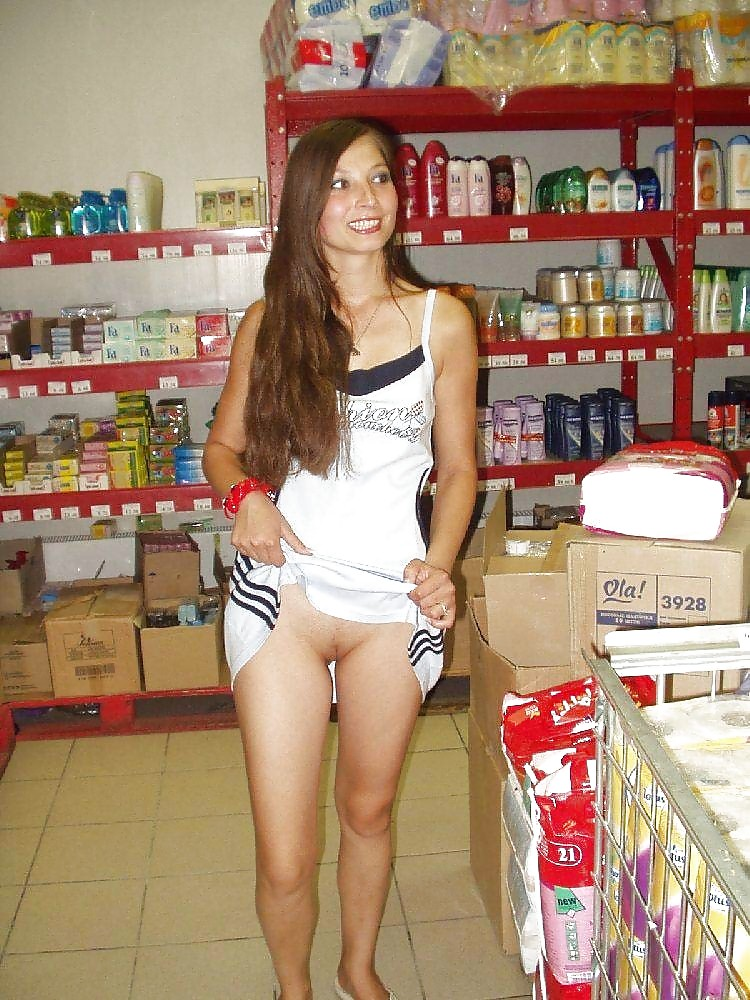Flashing in Stores PUBLIC NUDITY #7124515