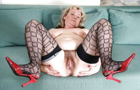 Bbw amateur mature housewife showing their loose pussy #6949293