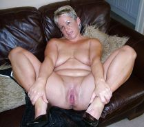 Bbw amateur mature housewife showing their loose pussy #6949365