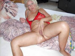 REAL Mom Pussy 10