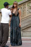 Tyra Banks does a photoshoot in Central Park