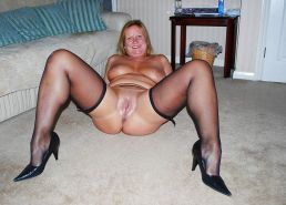 Bee West Midlands Escort & Babe