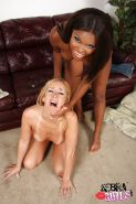 Kelly Wells hard used by Candice Nicole at lesbian scene