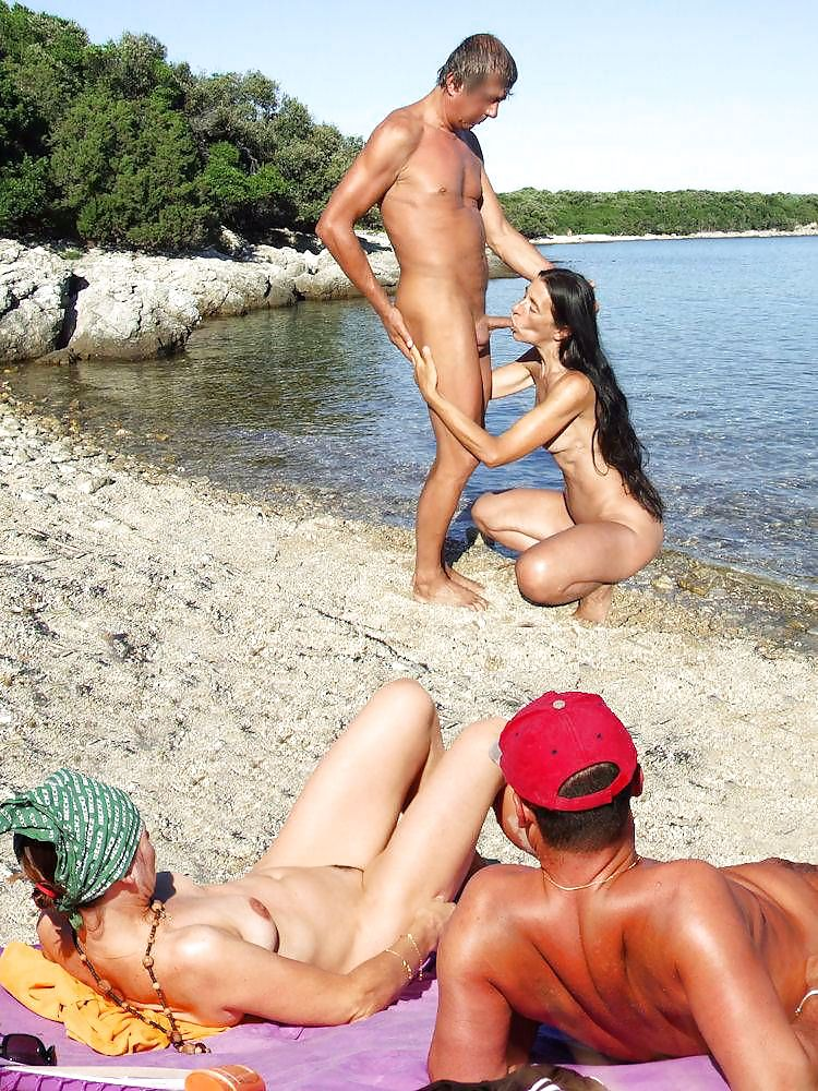Couples Standing Naked Together  Porn Pics #1336198