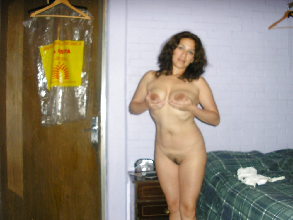 SWINGER WIFE IN HOME Porn Pics #21917691