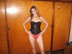 SWINGER WIFE IN HOME Porn Pics #21917416